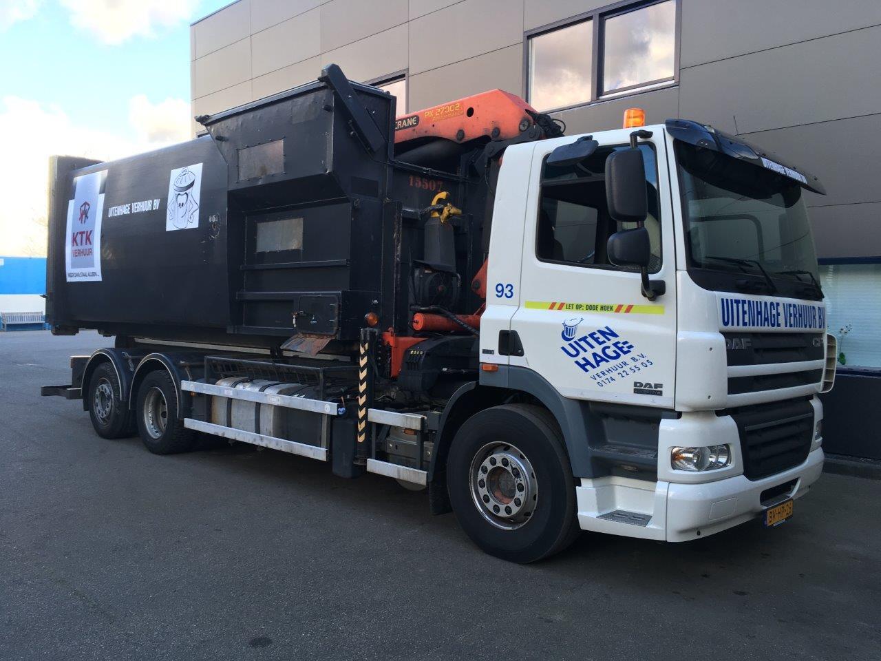 093 Haak- / Kraanwagen met KTK perscontainer